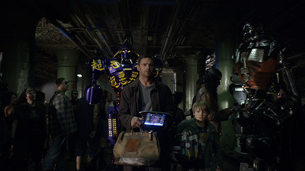 Real Steel - Hugh Jackman and Dakota Goyo