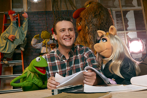 The Muppets - Kermit the Frog, Jason Segel and Miss Piggy