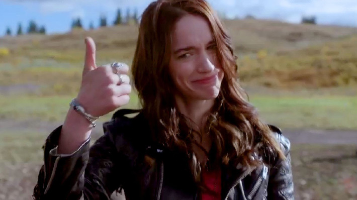 Wynonna Earp - Wynonna Thumbs Up