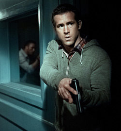 Safe House - Ryan Reynolds - F2