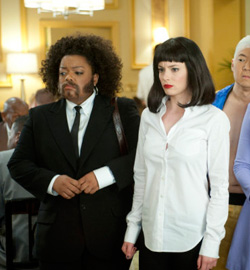 Community - Gillian Jacobs and Yvette Nicole Brown - F2