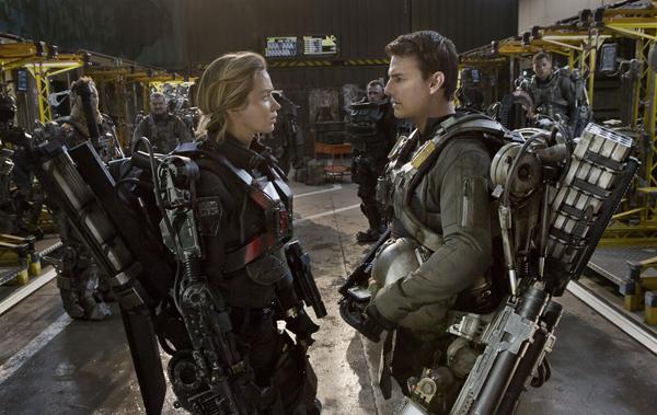 Aliens Robot Suit Aliens And Robot Gun Suits