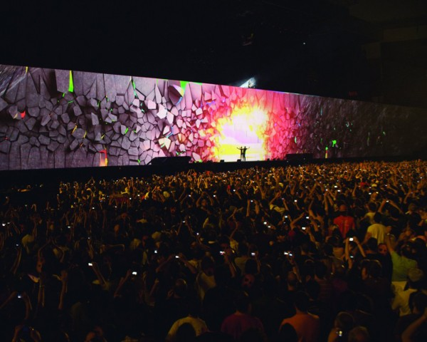 Roger Waters The Wall - Featured