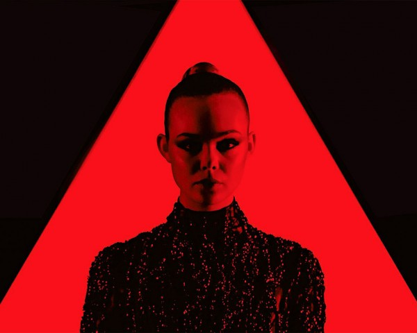 Neon Demon Blu-ray Featured