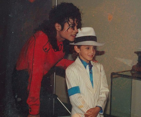 Leaving-Neverland-Michael-Jackson-Red Shirt
