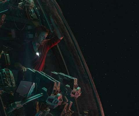 Avengers-Endgame-Tony-Stark-in-a-Spaceship