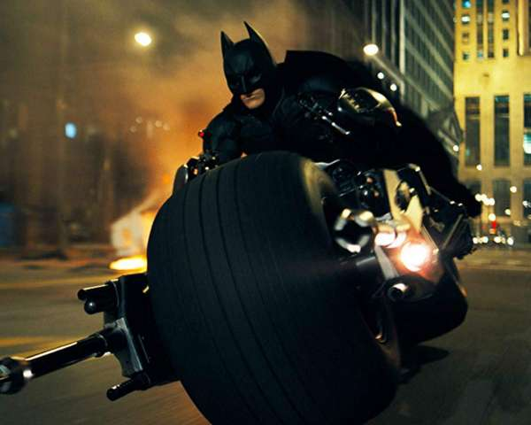 The-Dark-Knight-Batpod-Chase