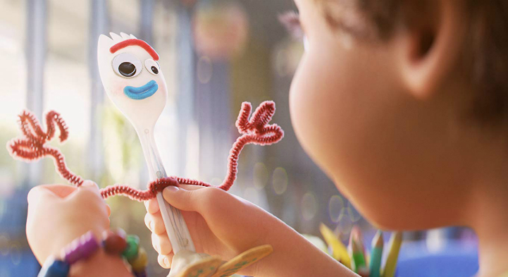 Toy-Story-4-Forky-in-Hand