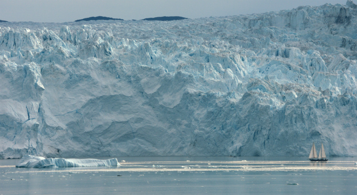aquarela-glacier-and-boat