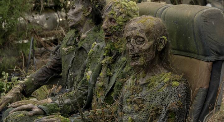 the-walking-dead-world-beyond-moss-zombies