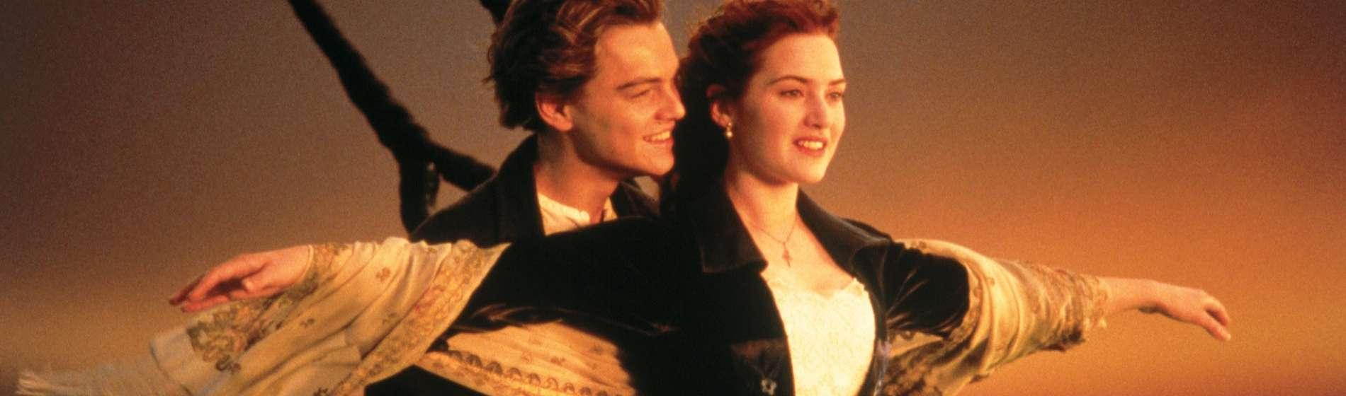 Titanic I'm Flying Scene Kate Winslet Leonardo DiCaprio